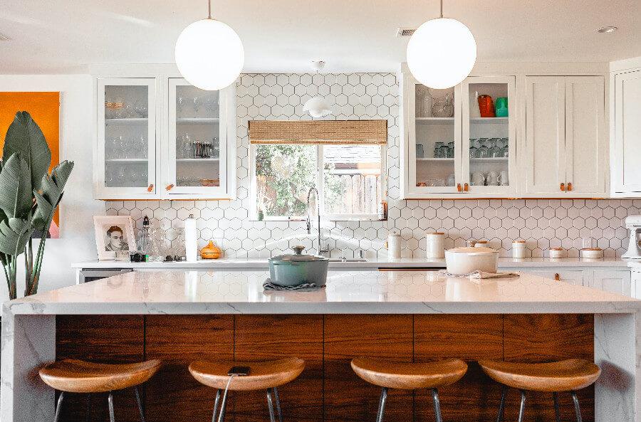 Jak funkcjonalnie zagospodarować przestrzeń małej kuchni