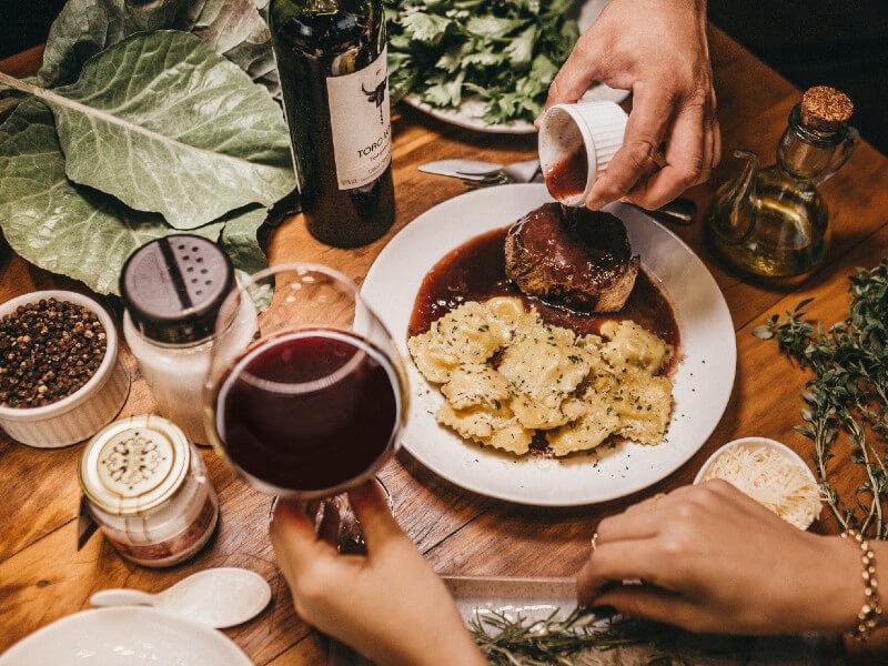 Jak łączyć wina z potrawami?