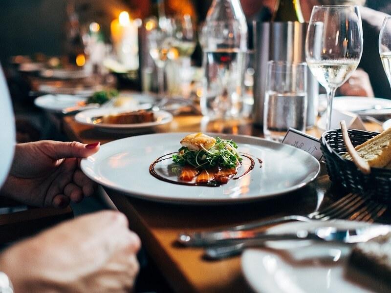 Zobacz dlaczego warto odbyć szkolenie dla właścicieli restauracji